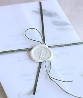 Προσκλητήριο γάμου ριζόχαρτο βουλοκέρι